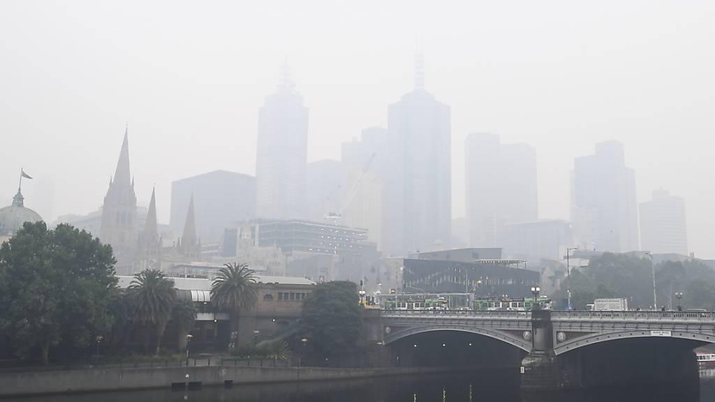 Melbourne leidet unter Rauch - Kampf gegen Feuer geht weiter