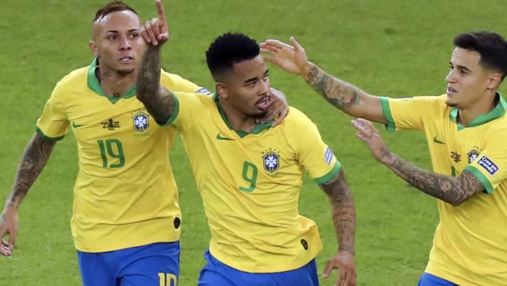 Der Matchwinner und spätere Rotsünder Gabriel Jesus feiert seinen Treffer zum 2:1