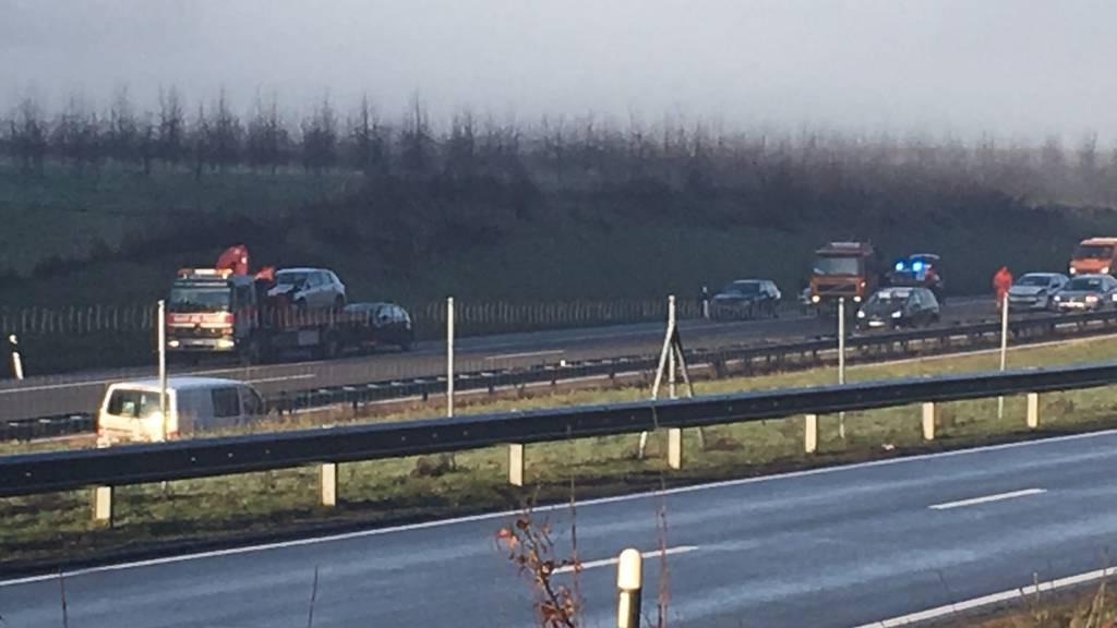 Am Donnerstagmorgen wurden sieben Autos in einen Unfall am Bürenstich verwickelt.