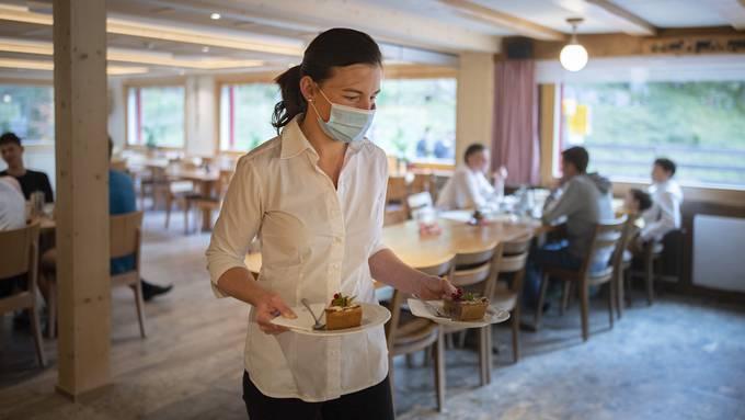 Pro Tisch im Restaurant dürfen maximal vier Personen bedient werden.
