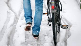 Das Sturmtief Egon brachte in weiten Teilen Deutschlands und der Schweiz heftige Windböen und Schneefall.
