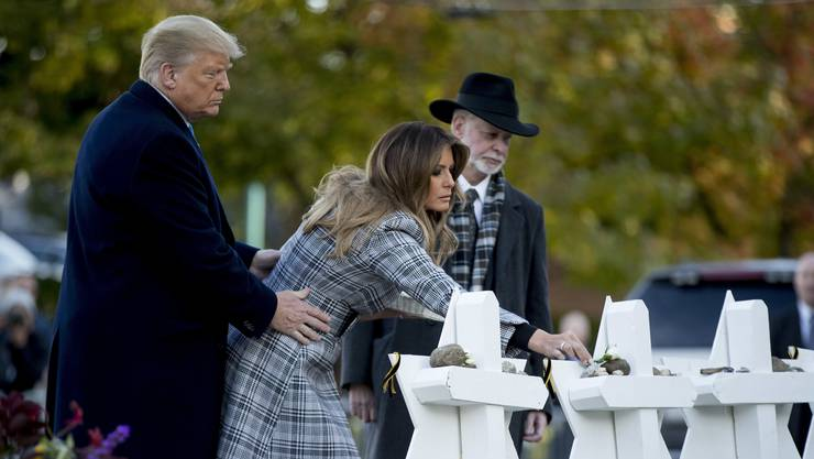 US-Präsident Donald Trump und First Lady Melania am Dienstag in der Tree of Life Synagoge in Pittsburgh.