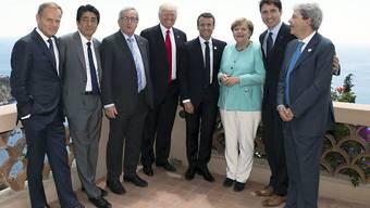 Fürs G7-Gruppenfoto zum Abschluss gab es auch einige Lächeln