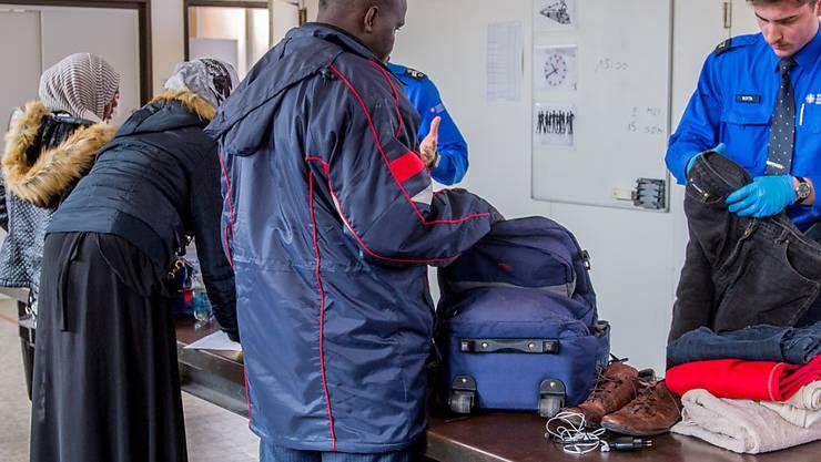 Falls der Strom an Migranten im Sommer wieder zunimmt, können Grenzpolizisten auf ihre Kollegen aus anderen Kantonen zählen. (Archiv)