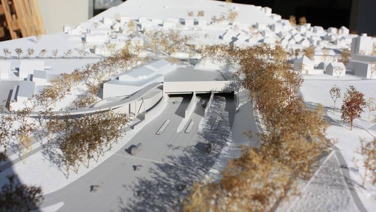 Modell des Autobahndeckels beim Gubrist-Portal.