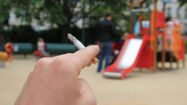 Rauchen bei Rutschbahnen ist in verschiedenen Fricktaler Gemeinden verboten. (Symbolbild)