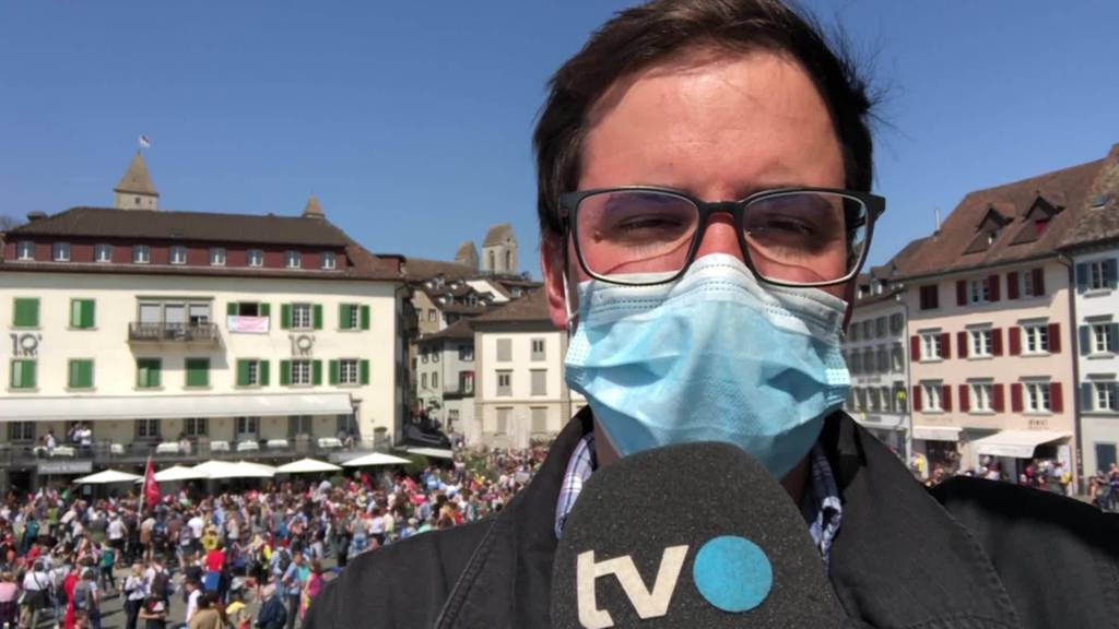 Corona-Demo: TVO-Reporter Tobias Lenherr vor Ort