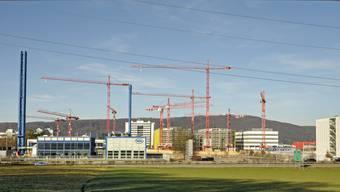 Die Baustelle von Roche in Kaiseraugst neben der Autobahn in Kaiseraugst.