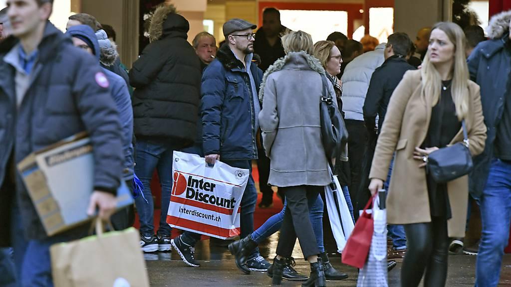 Zürcher Volkswirtschaftsdirektorin fordert mehr Sonntagsverkäufe