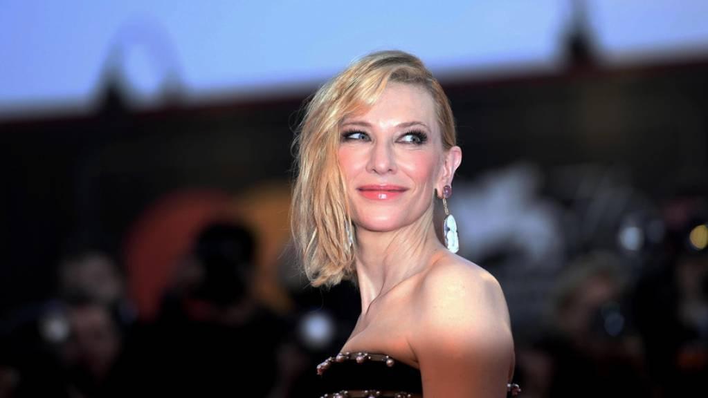 Die australische Schauspielerin Cate Blanchett nimmt am Samstagabend am Zurich Film Festival den Golden Icon Award entgegen.