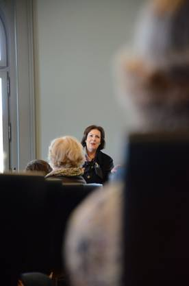 Die FDP-Ständerätin Christine Egerszegi sprang für die grünliberale Verena Diener ein, und traf die Birmensdorferinnen auf ein Gespräch im kleinen Rahmen