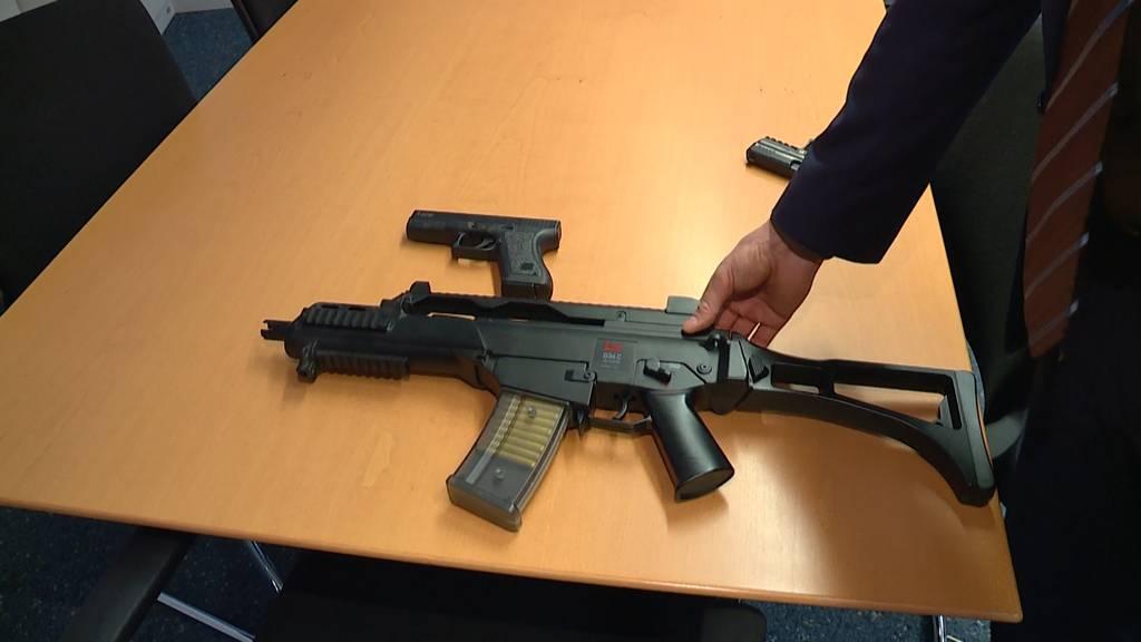 Polizeieinsatz wegen Spielzeugwaffen ausgelöst
