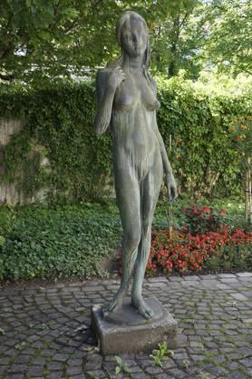 Der Zahn der Zeit nagt an der Skulptur von Heinz Schwarz im Hof  des Stadtpräsidiums Solothurn.