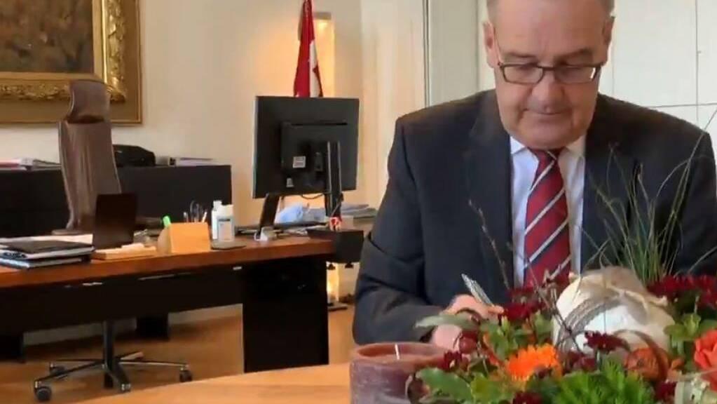 Bundespräsident Guy Parmelin hat auf der Webseite lichtschenken.ch eine Botschaft zu Ostern veröffentlicht.