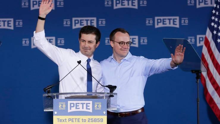 Pete Buttigieg und sein Ehemann Chasten  hoffen auf grosszügige Spenden aus der Schweiz. (MICHAEL CONROY, KEYSTONE)