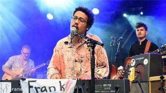 Frank Powers spielt die letzten Konzerte. Am Stadtfest in Brugg (Bild) verkündete Sänger Dino Brandão die Pause.