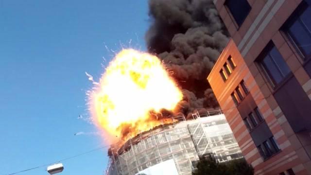 Rauch, Explosionen und Gasflaschen im Garten