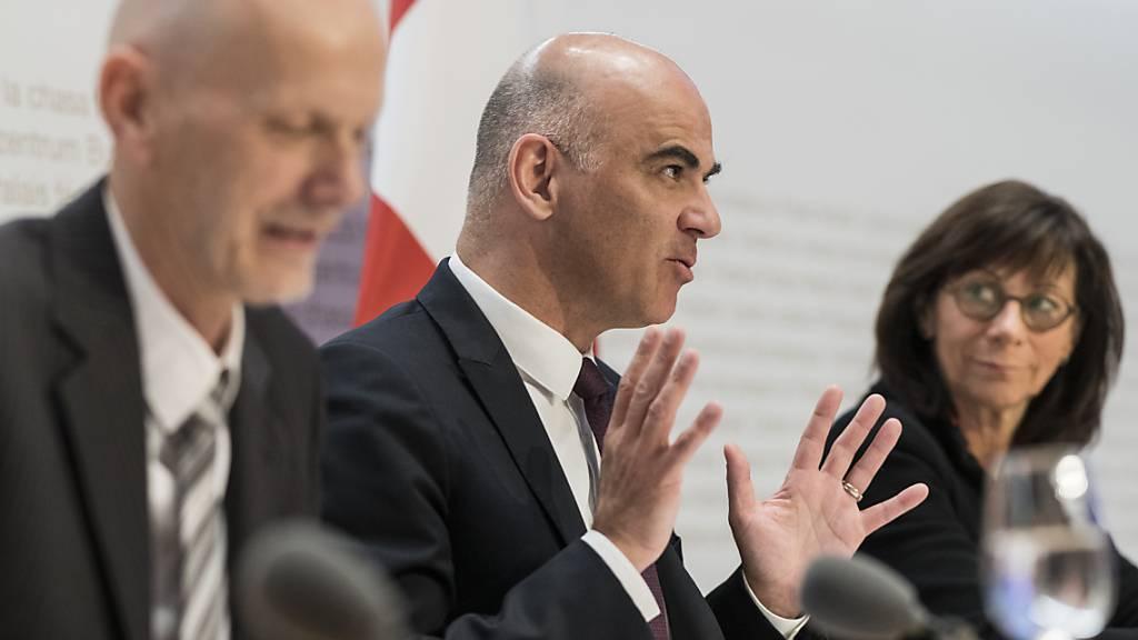 Ein bedeutender Moment für den Schweizer Sport: Am 28. Februar 2020 verkündet Bundesrat Alain Berset das Verbot von Grossveranstaltungen