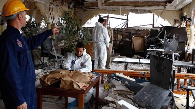 Ermittler im betroffenen Touristencafé: Drei der Todesopfer waren aus der Schweiz