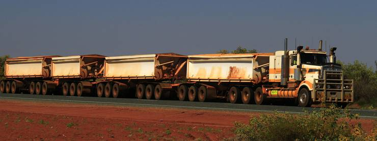In Australien sind die Lastwagen etwas länger, wie Romy Müller aus Urdorf auf ihrer Reise selbst erlebt hat