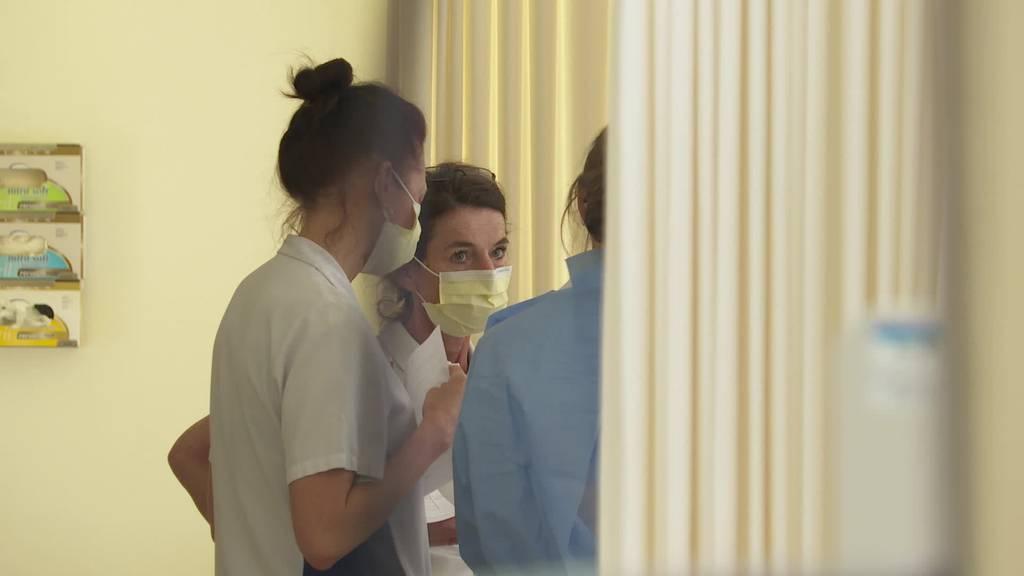 Nicht nur Applaus: Pflegepersonal will bessere Bedingungen