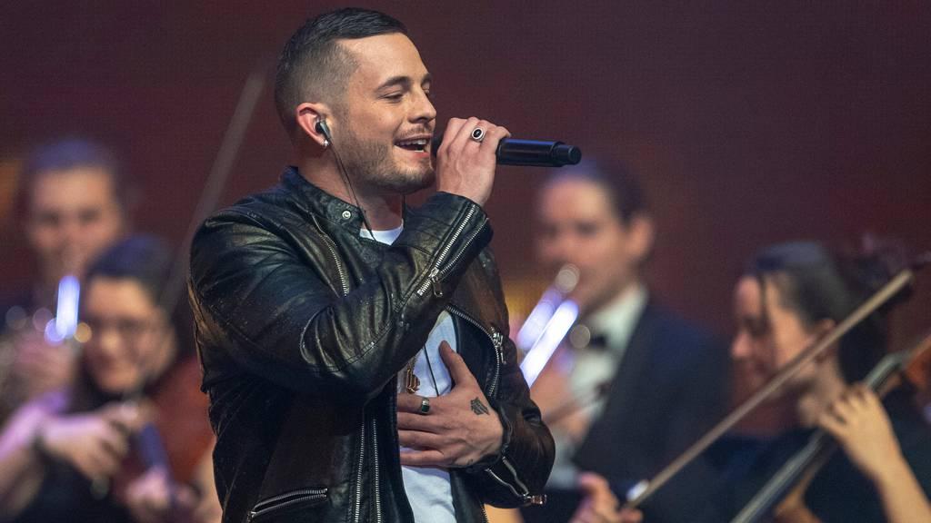 Loco Escrito bei einem Auftritt im Rahmen der Swiss Music Awards.