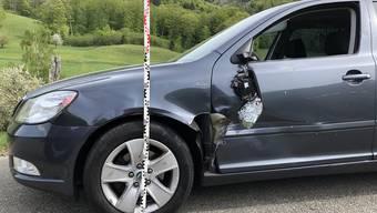 Eine Motorradlenkerin geriet auf die gegnerische Fahrbahn und kollidierte seitlich mit einem Personenwagen.