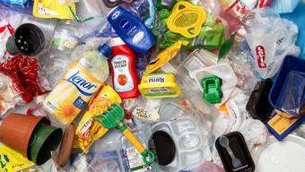 Der Dachverband Swiss Recycling betonte in der Vergangenheit immer wieder, dass der Nutzen einer Kunststoff-Sammlung gering sei. (Symbolbild)