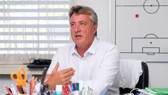 Marco Schällibaum steht der «Aargauer Zeitung» in seinem Trainerbüro im Aarauer Brügglifeld Red und Antwort.