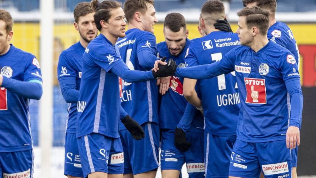 Viel zu jubeln: Die Spieler des FC Luzern gewinnen im vermeintlichen Krisengipfel mit Vaduz klar