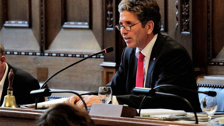 Daniel Goepfert nimmt den Präsidentensessel ein.Kenneth Nars