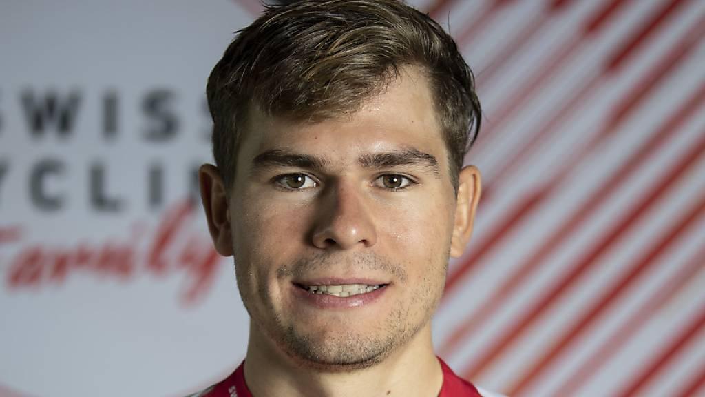 Stefan Bissegger lächelt in die Kamera.