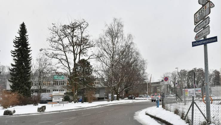 Unter anderem wegen eines Raubs, welcher hier an der Ecke Industristrasse/Haslistrasse im Oltner Industriequartier geschah, wurde ein heute 28-jähriger Kosovare verurteilt.