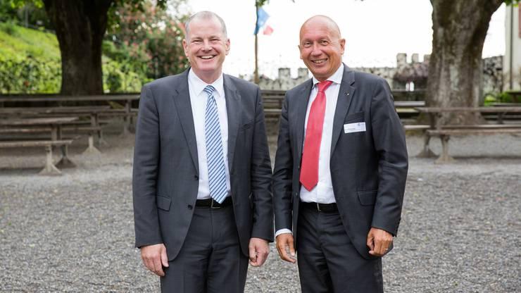 Sie kennen sich bestens aus der gemeinsamen Zeit im Badener Stadtrat Anfang der 2000er-Jahre: Landammann Stephan Attiger (links) und Philip Funk, Vizepräsident des AZ-Verwaltungsrats.