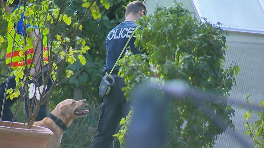 Am frühen Nachmittag konnte die Polizei Entwarnung geben. (© BRK News)
