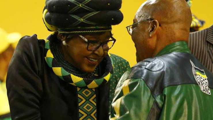 Die Ex-Frau des verstorbenen südafrikanischen Anti-Apartheid-Kämpfers Nelson Mandela, Winnie Madikizela-Mandela, ist ins Spital eingeliefert worden. (Archivbild)