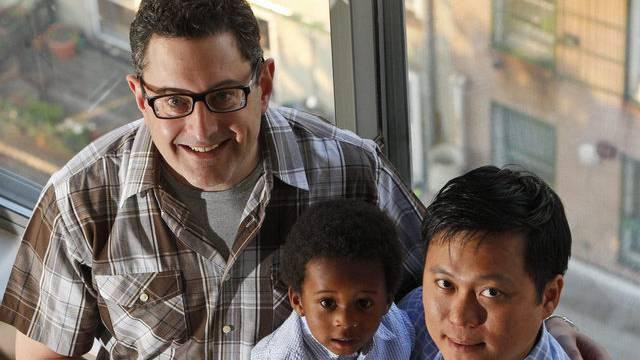 Auch Homosexuelle sollen in der Schweiz Kinder ihrer Partner adoptieren können (Symbolbild)