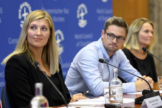 ICAN-Vertreter Beatrice Fihn, Daniel Hogsta und Grethe Ostern.