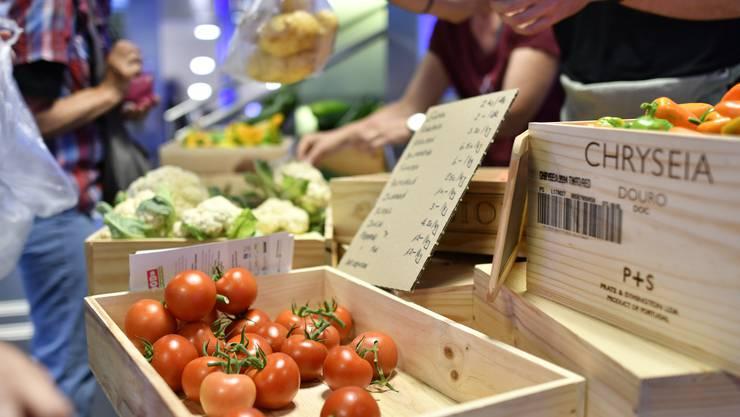 54 Prozent aller Kontrollen bei Markt- und Lebensmittelständen führten zu keinen Beanstandungen. (Symbolbild)