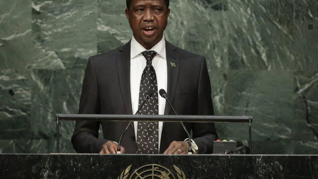 Amtsinhaber Edgar Lungu hat die Präsidentschaftswahl in Sambia mit knappem Vorsprung gewonnen. (Archiv)