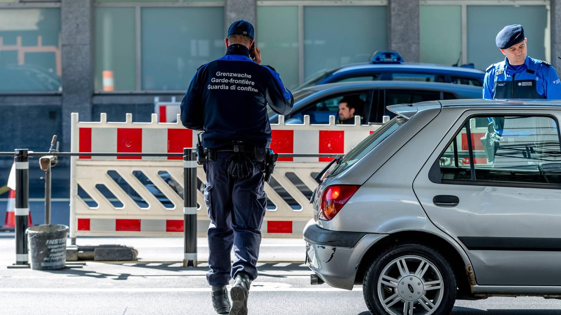 Die Grenzen zu Deutschland, Österreich und Frankreich sollen wie angekündigt am 15. Juni aufgehen. Wie es mit Italien aussieht, ist noch unklar.