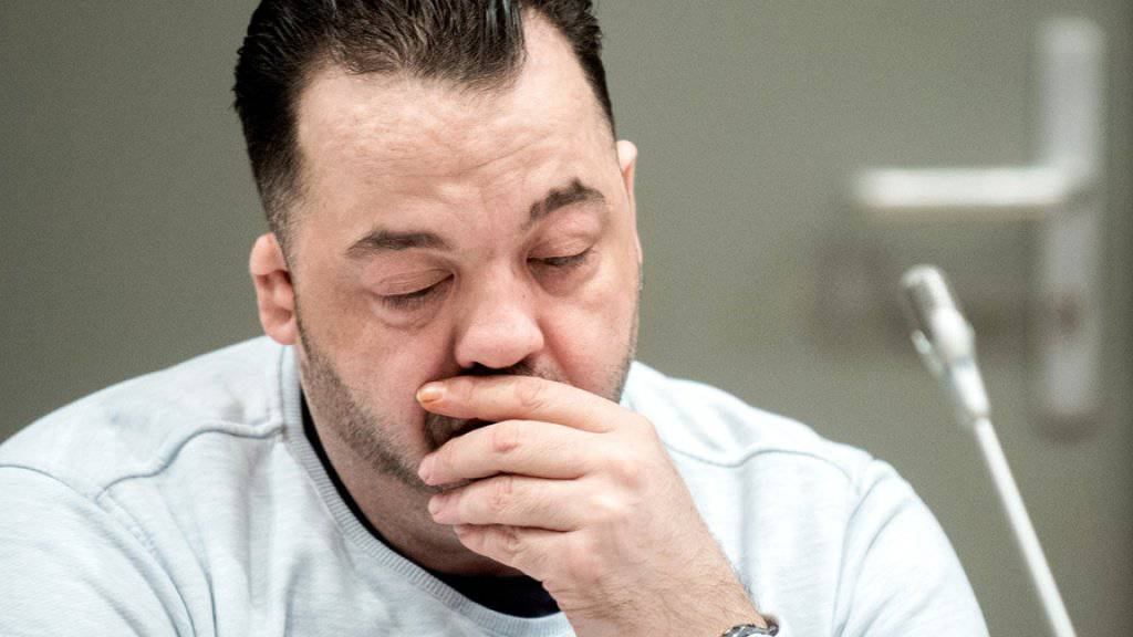 Der wegen Mordes an 100 Patienten angeklagte Niels Högel im Gerichtssaal. Am Donnerstag begannen die Plädoyers in dem Verfahren.
