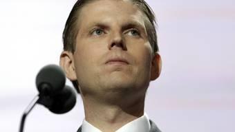 Hat ein Foto von seinem ausgefüllten Wahlzettel über Twitter verschickt und damit gegen ein New Yorker Gesetz verstossen: Eric Trump, Sohn des republikanischen US-Präsidentschaftskandidaten Donald Trump. (Archiv)