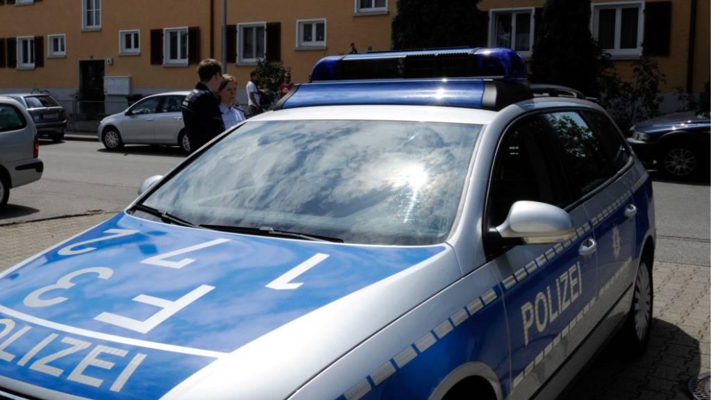 Bewaffneter Mann hat Bank in Lörrach überfallen