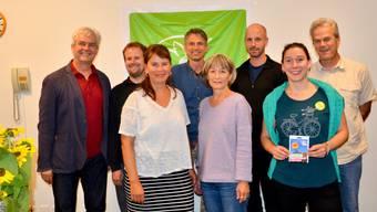 Von links: Ständeratskandidat Felix Wettstein; NationalratskandidatInnen Martin Schweizer, Simone Wyss Send, David Gerke und Laura Gantenbein (Dritter und Zweite von rechts).