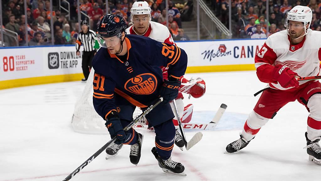 Der Schweizer NHL-Stürmer Gaëtan Haas stand beim 2:1-Heimsieg von Edmonton gegen Detroit wieder einmal im Einsatz, nachdem er zuletzt drei Spiele in Folge überzählig gewesen war