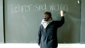 Lehrer sind wichtig. Deshalb sollen sie mehr Lohn erhalten.