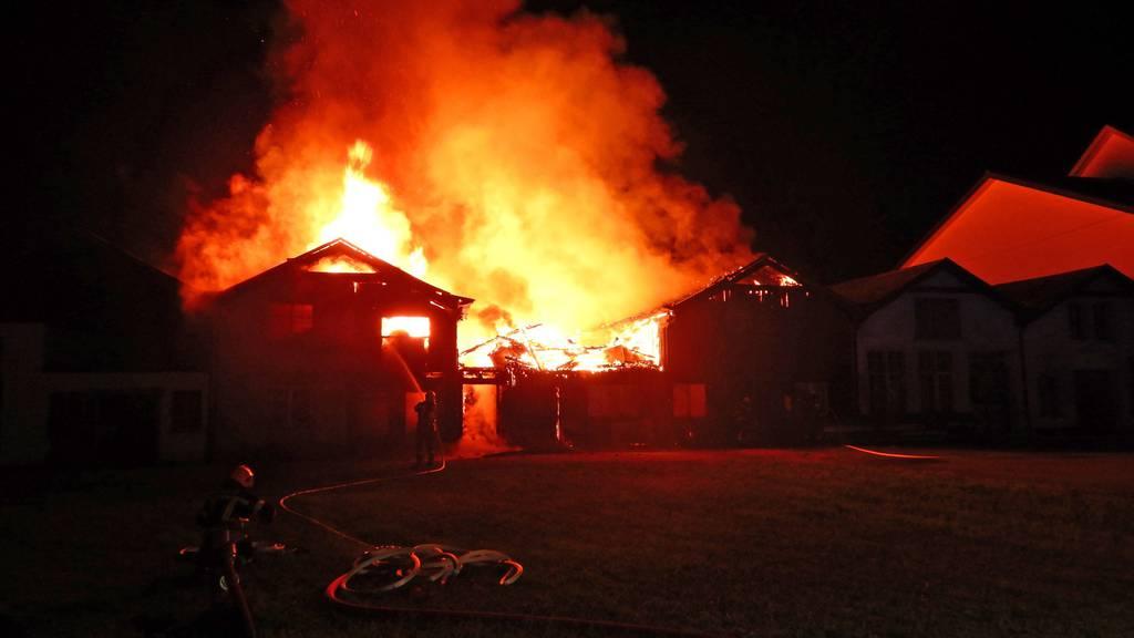 In Bürgeln brannte am 25. September ein Fabrikgelände.