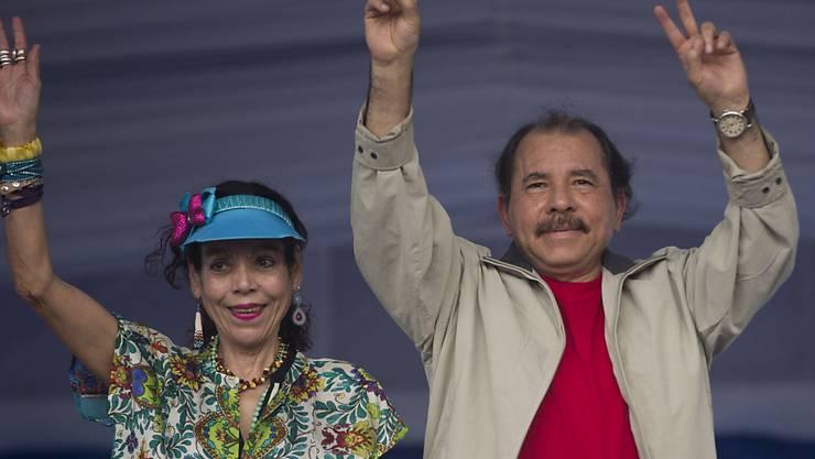 Optimistisch: Nicaraguas Präsident Daniel Ortega mit seiner Frau Rosario Murillo. (Archiv)