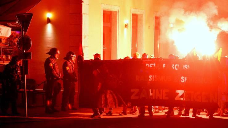 Antifa-Kundgebung in Solothurn. Der Kanton will randalierende Demonstranten künftig zur Kasse bitten.